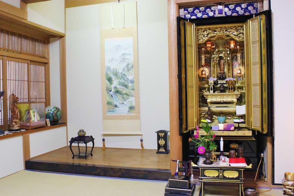 仏間と仏壇