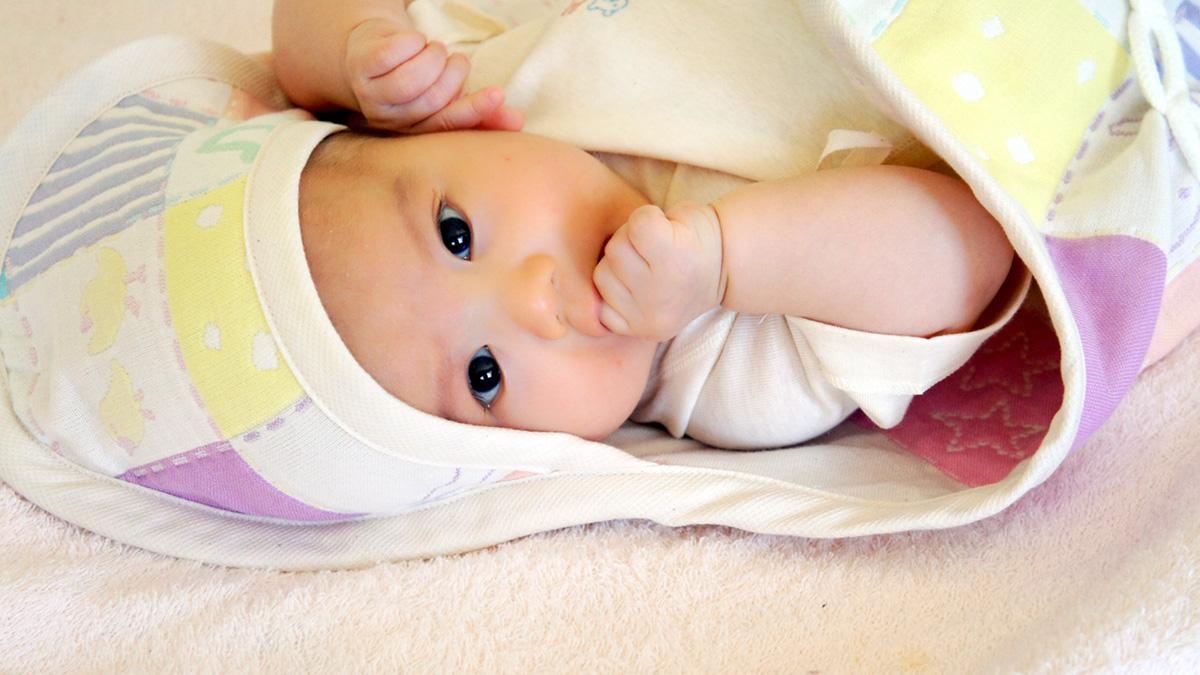 お葬式の赤ちゃんの服装と授乳用の喪服